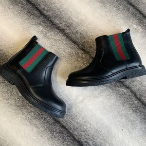 { Gucci } Leather Black Boots with Gucci Logo Web